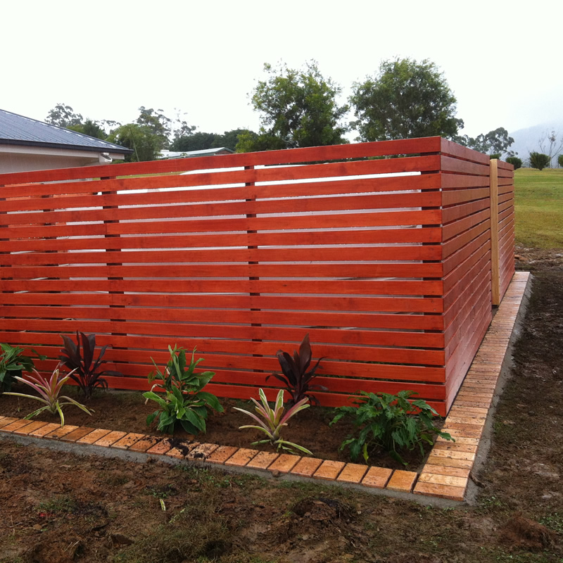 Timber screen fence